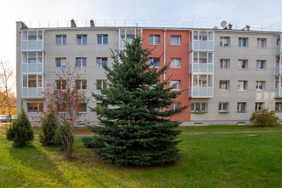 Parduodamas butas Vilniaus g. , Karmėlavos II k., 28.82 kv.m ploto, 1...